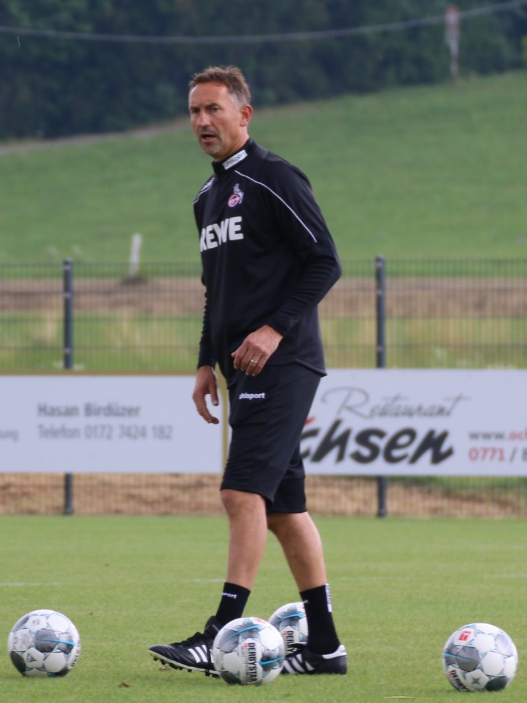 FC-Trainer Achim Beierlorzer im Training