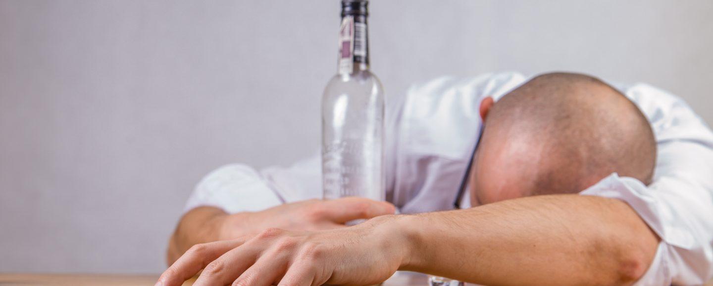 Alkoholkater Slider Urteil (Foto: Jarmoluk / Pixabay)