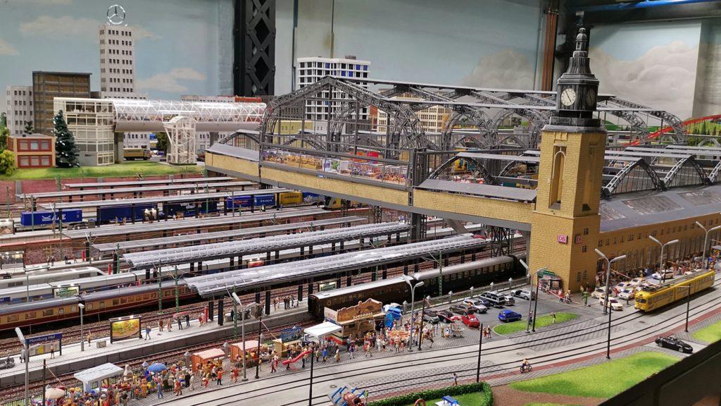 Hamburger Hauptbahnhof Wunderland Benanza.Pix