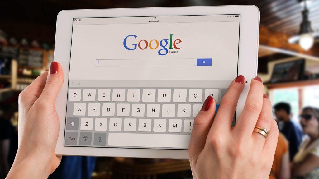 Tablet Google Hands